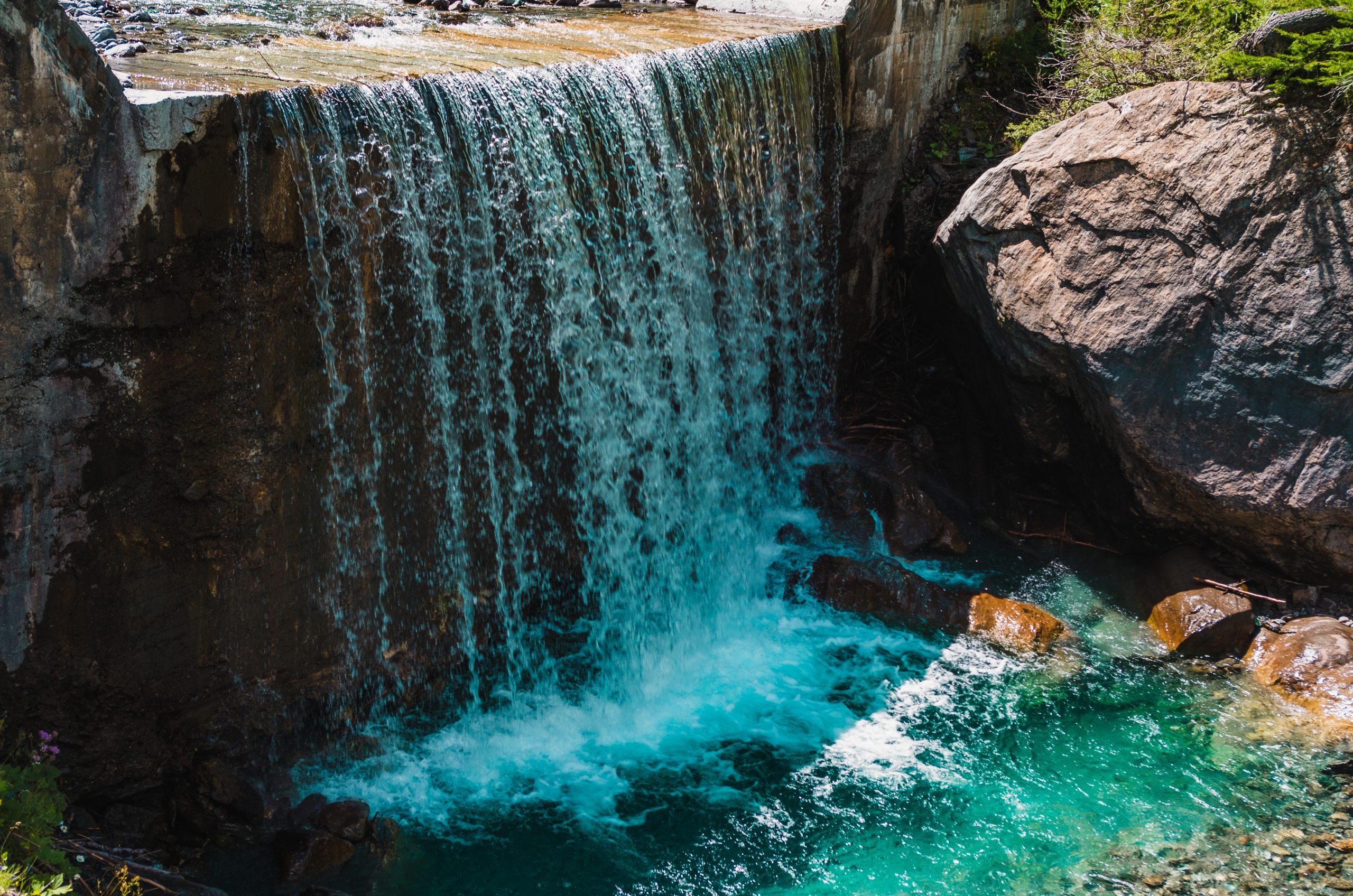 Aguas termales en medio de la naturaleza